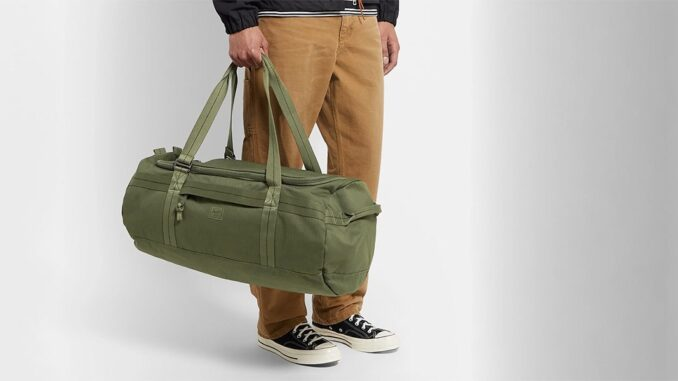 15 Things essential to keep in Men Gym Bag