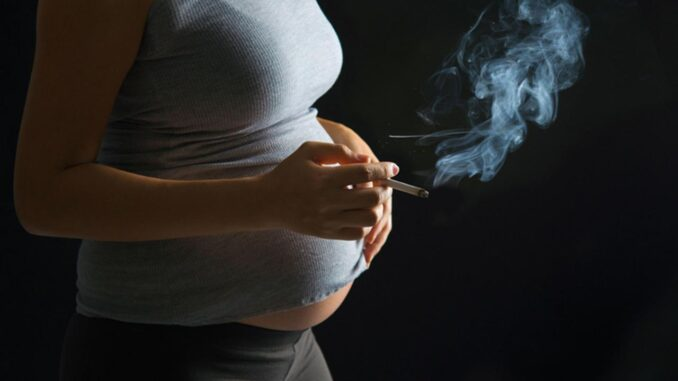 No Mommy please don't smoke! - Effects of Smoking while Pregnant